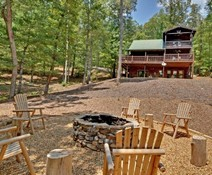 Forest Setting & Seasonal View Cabin Rentals